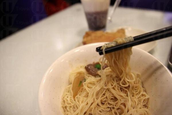 沙嗲牛肉加上中式生麵,配合出新鮮味道。