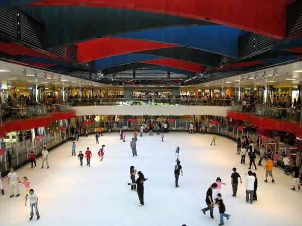 太古城中心溜冰場名為「冰上皇宮」