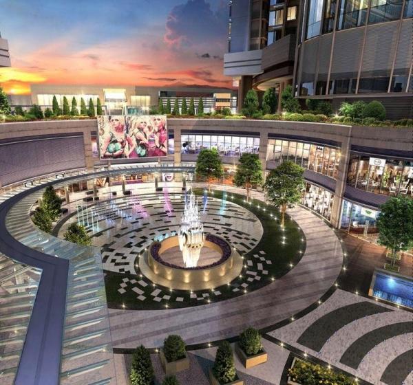 PopCorn 有一個佔地 64 萬平方呎的大型演薈廣場,供公眾休憩。