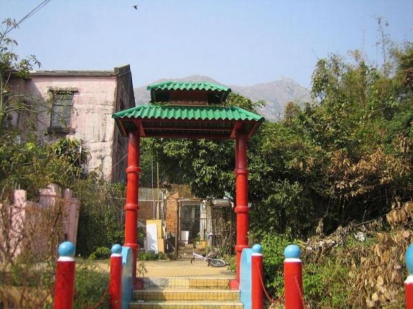 青山紅樓屬1920至1930年代的建築物風格,為一級歷史建築。