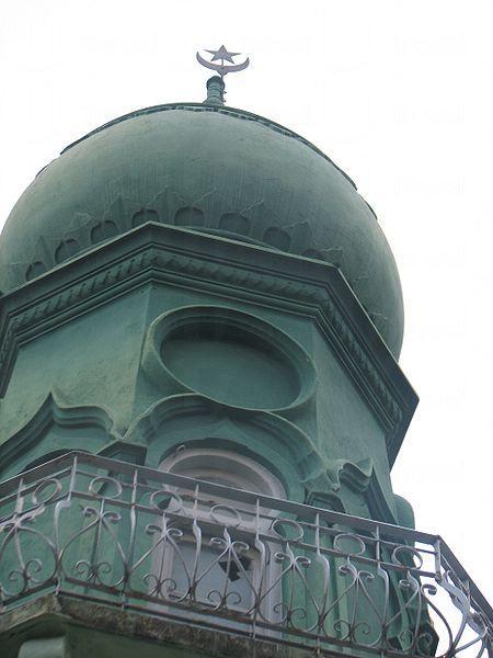 塔頂及星月圖案。