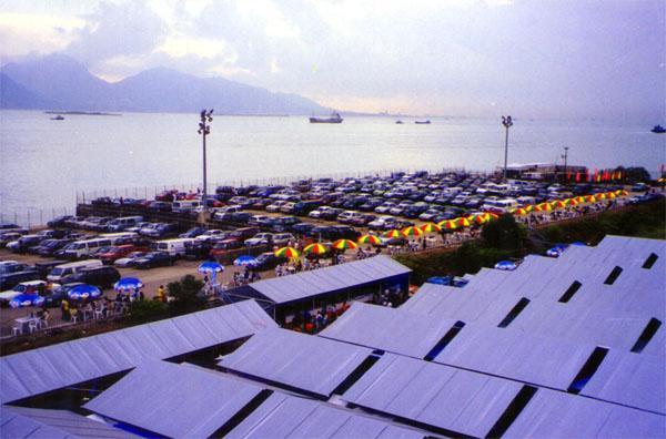 樂安排小欖跳蚤市場是香港首個擁有海景的跳蚤市場。