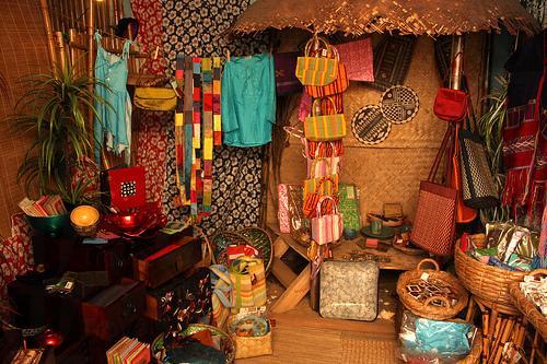 場內也設有一間手工藝的專賣店。