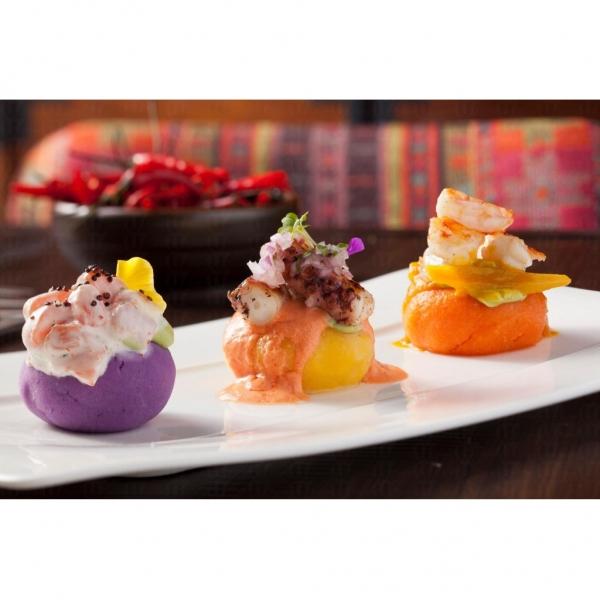 秘魯薯仔種類多,大廚就選了其中三款來造成三色薯蓉。