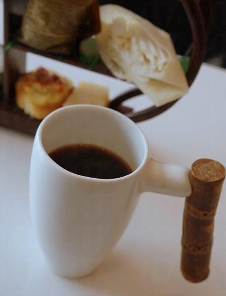 老香江茶居不賣咖啡,清一色以茶會客 (網上圖片)