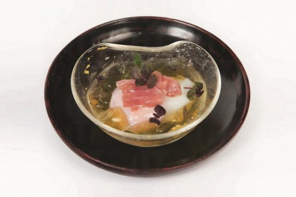 光日本料理意大利火腿伴温泉玉子 $38 (網上圖片)