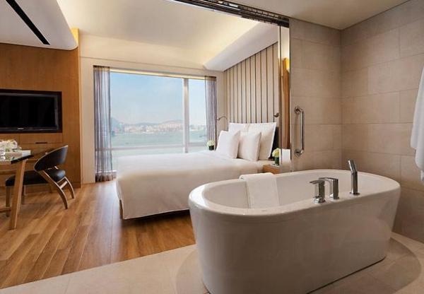 香港萬麗海景洒店 Renaissance Harbour View Hotel