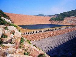 萬宜水庫東壩(漁農署圖片)
