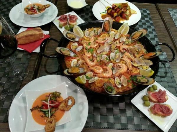 西班牙海鮮飯落足重料,充滿鮮味