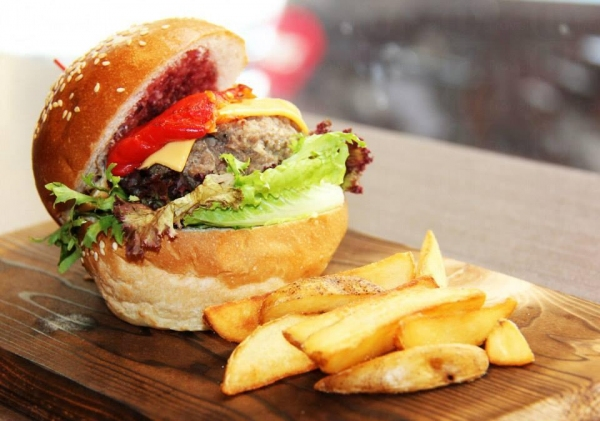 Veygo Coffee-Classic Beef Burger with Wedges