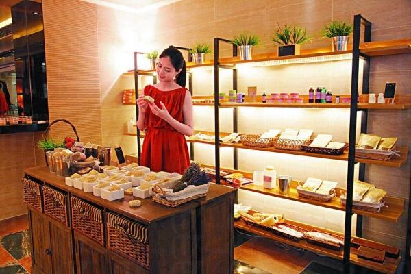 店子約五千平方呎,設三個教室及材料銷售區。