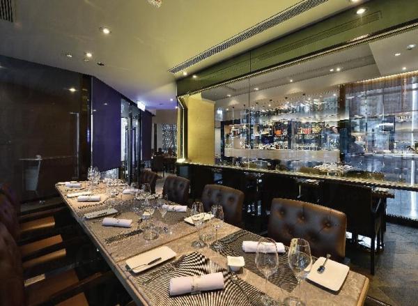 餐廳設計時尚高雅。