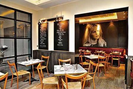 餐廳空間帶點摩登,設計風格亦別有法式風情。