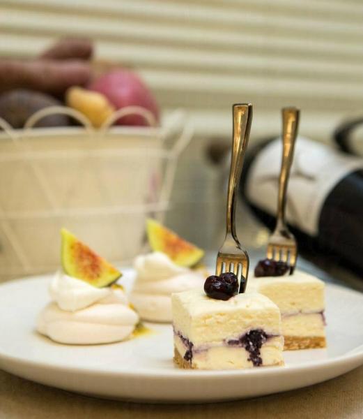 白朱古力藍莓芝士蛋糕