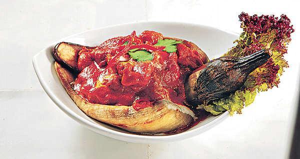 【燒茄子雞肉乾咖喱 $88】帶紅咖喱的香,卻無咁辣,配以燒過的茄子,配搭創新又香口。