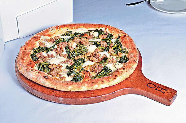 【Biancaneve $178】Biancaneve在意大利文解作「白雪公主」,鋪滿水牛芝士的薄餅呈奶白色,奶味香而不羶。