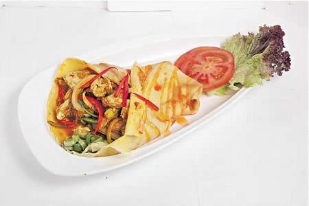 咖喱蟹肉配可麗餅($168):泰國名菜換了易食版本,去殼咖喱蟹肉香噴噴,味道正宗,配法式 Crepe,賣相及食法都很新穎。