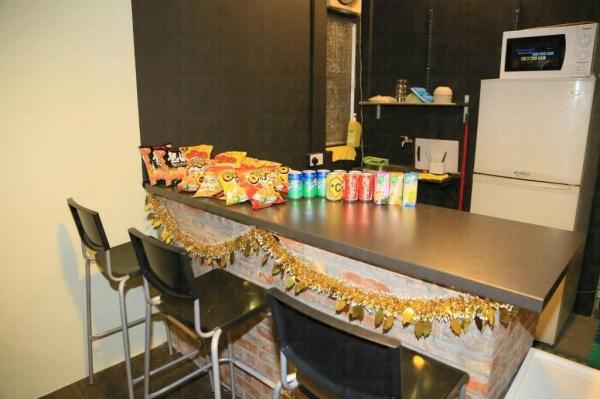開放式廚房有簡單設備