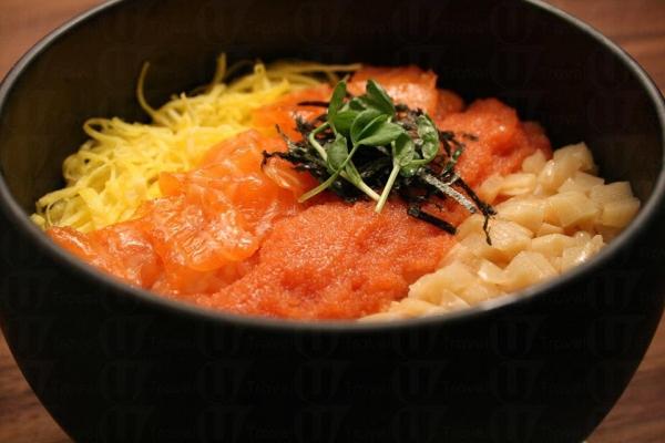 鱈卵碗,可自選三文魚及油甘魚