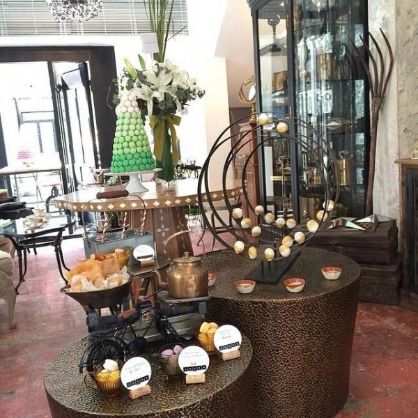 店內亦設了不少復古味濃的家具和裝飾,型格又時尚。