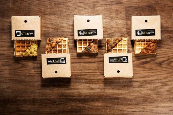 Waffills 的招牌是窩夫鹹食,創新口味包括芝士牛肉漢堡窩夫、燒烤醬手撕豬肉窩夫等