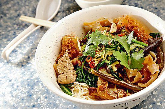 雜錦麻辣撈麵($44):有竹笙、白木耳雜菜等材料,撈些自製麻辣汁,很是惹味。