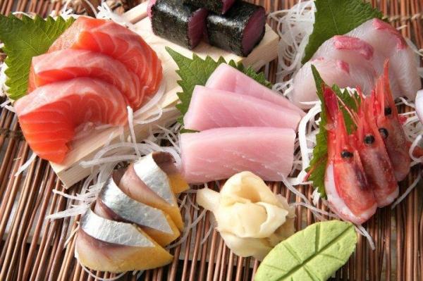 除了烤肉外,餐廳亦有供應各式海鮮、刺身和壽司等美食