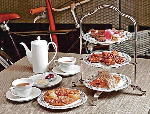 下午茶套餐 $268/2位:鹹食較多,包括炸薯皮、辣雞翼等,必食迷你招牌牛角包。