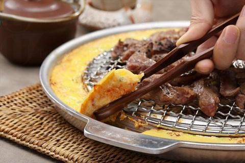 新麻蒲是韓國唯一擁有「爐邊烤蛋」的烤肉店