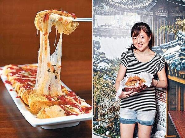 韓式芝士雞蛋卷 $58;跟日式蛋卷形相如一,但就捲上Mozzarella Cheese 和洋蔥碎。趁熱食時,還可拉出柔韌的芝士絲。 / Annie來港七年,今年趁着《星星》炸雞熱,開店大展拳腳。