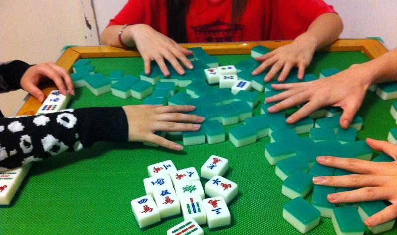 香港麻雀小禁忌(上) - 打牌時不能做的 8 個行為