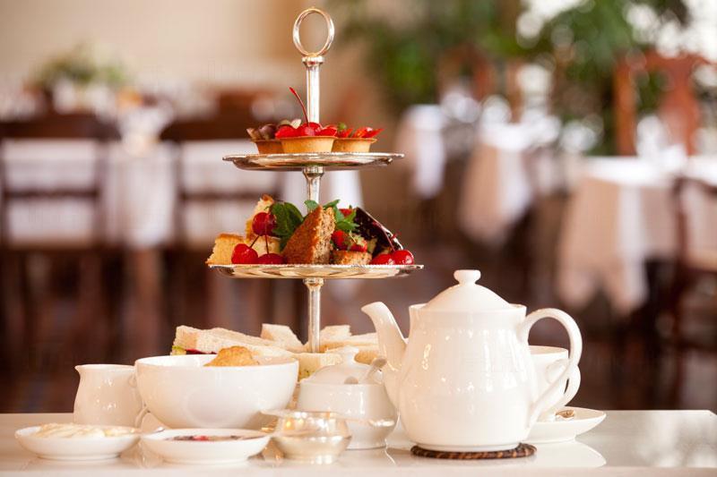 英國人笑你喇 港人以為「High Tea」解作高級下午茶