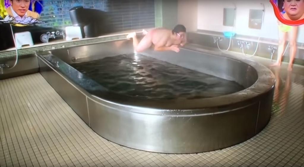 日男浴室飄移成功點解咁興奮?原來有上集
