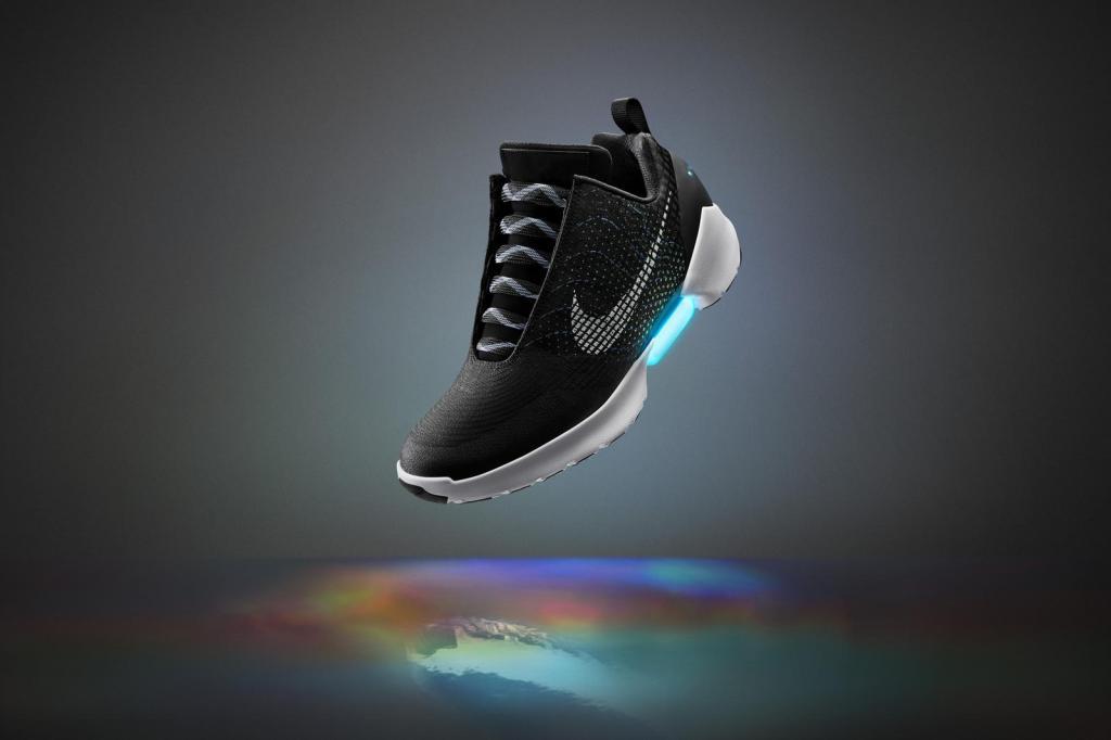 下一對瘋炒潮鞋?Nike自動綁帶鞋發售日期公布