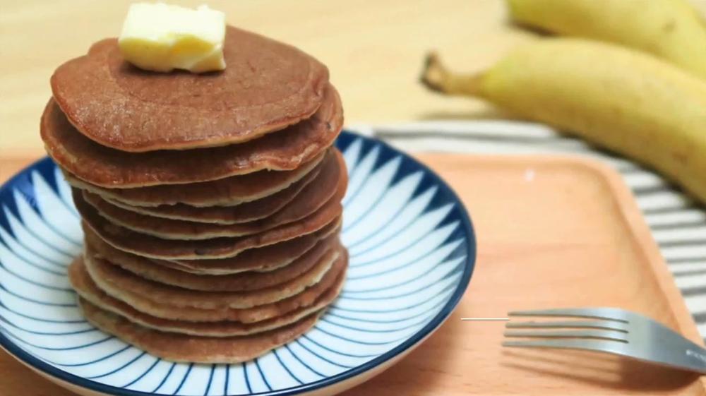 麵粉都唔使?2種材料煎出香蕉pancake