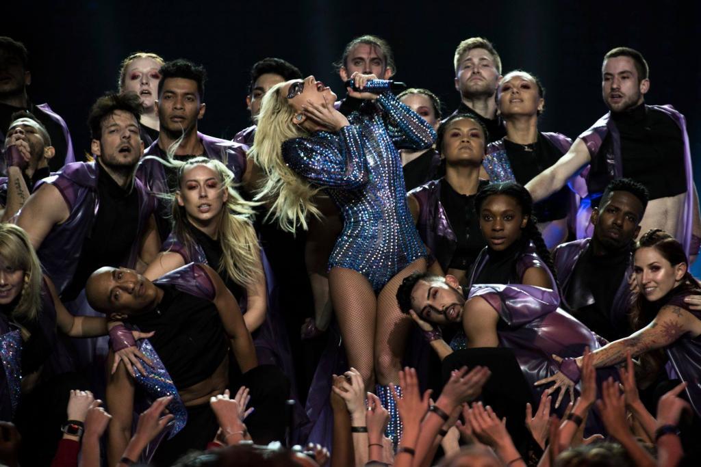 全球網民激讚!重溫Lady Gaga超級碗3大精彩位