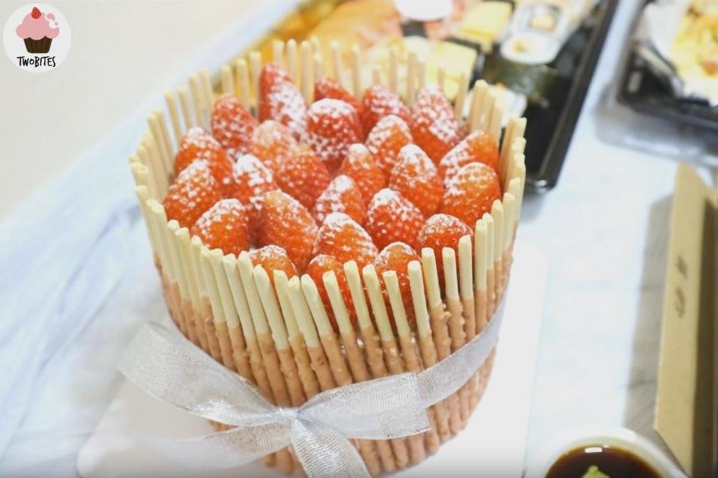 懶人必學海綿蛋糕裝飾法!極速「自製」甜美士多啤梨蛋糕