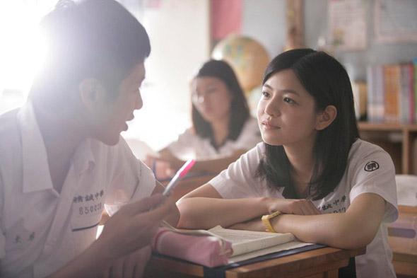 「Econ考第一就做你女朋友」全班好同學夾埋唔合格 幫成績勁差男追女仔!