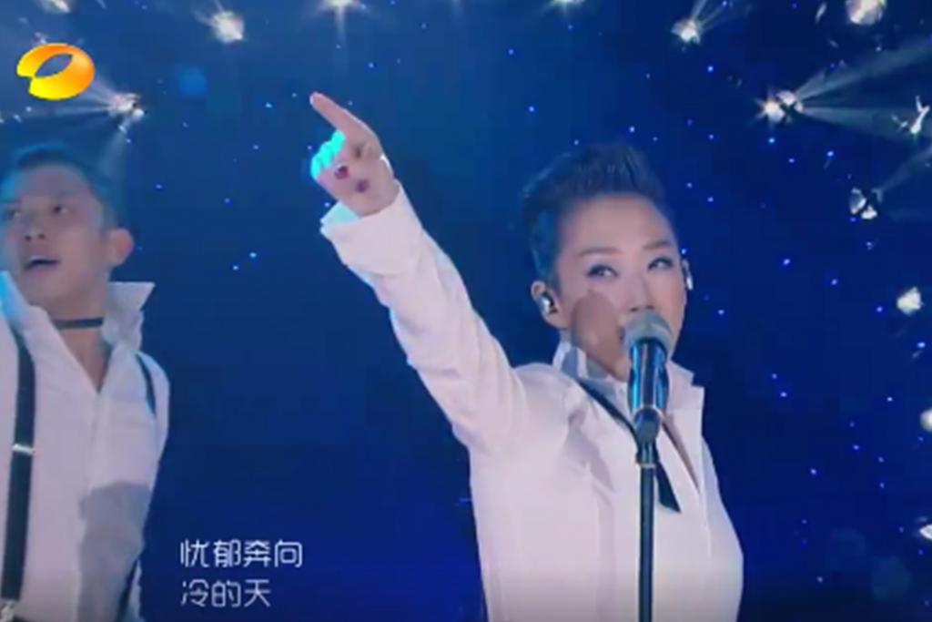 林憶蓮《歌手》神級演出 唱哥哥經典金曲得網民盛讚