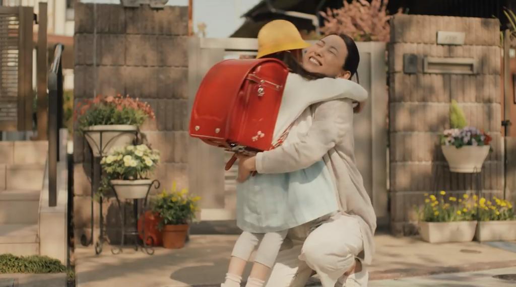 日本兩分鐘感人廣告 母親對孩子成長欣慰又不捨得