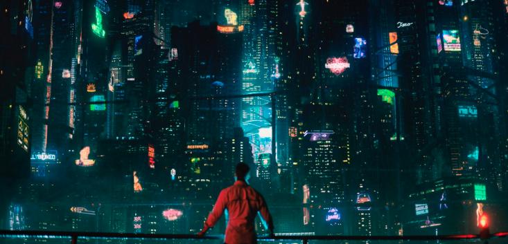 《碳變》將腦袋備份植入新身體 Netflix科幻犯罪新戲