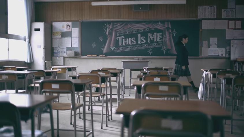 日本登美丘女高中生搣甩大媽形象 著校服青春跳《大娛樂家》