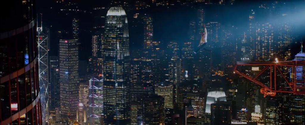 恐襲香港3,500呎摩天大廈  《高凶浩劫》巨石莊遜為救家人搏到盡