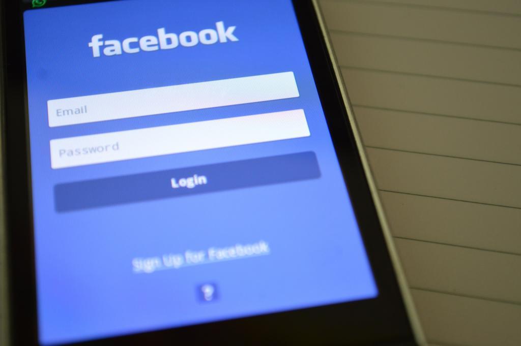 朱克伯格揭露加強FB私隱秘技 2步輕鬆刪除HATERS!