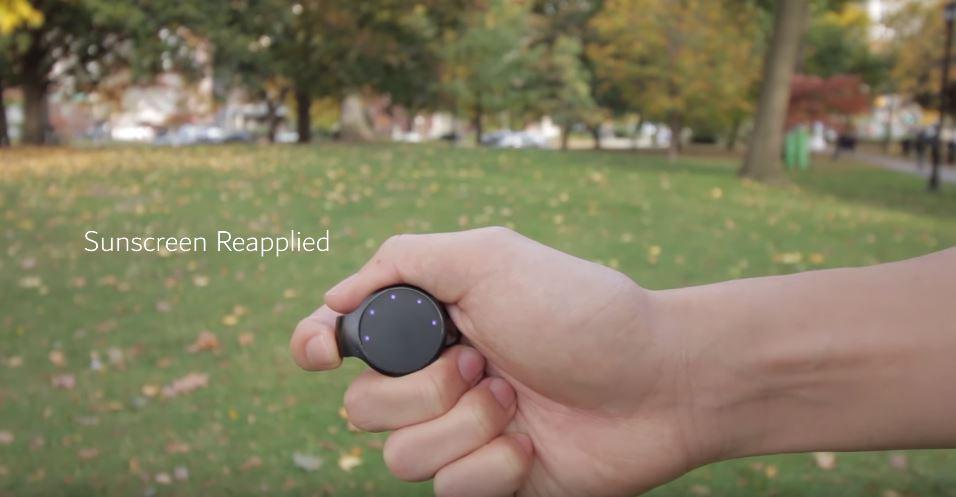 外國新研發防曬黑鈕扣 警告你幾時曬傷/搽幾多防曬