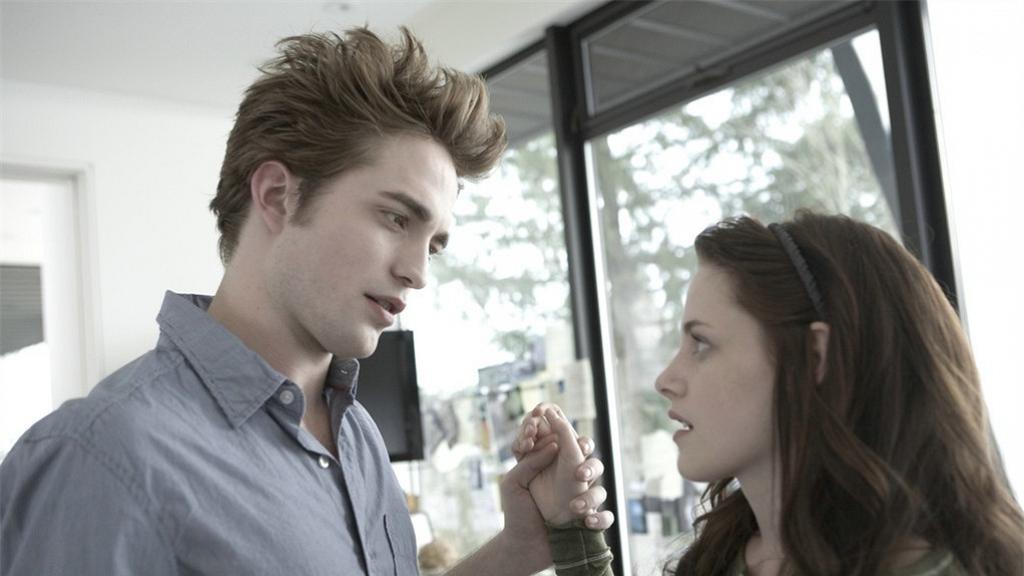 【吸血新世紀】10年後三大主角近況 Bella及Edward女兒長大擔正《胡桃夾子》