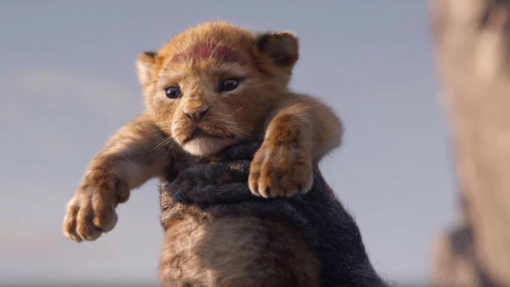 【獅子王】又一迪士尼動畫拍成真人電影 高舉小辛巴一幕經典重現