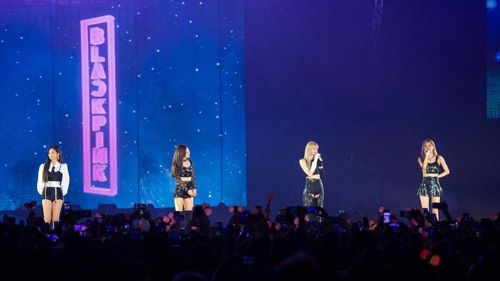 【BLACKPINK演唱會】BLACKPINK香港開騷晒美腿登場 Jennie未受分手影響展笑容