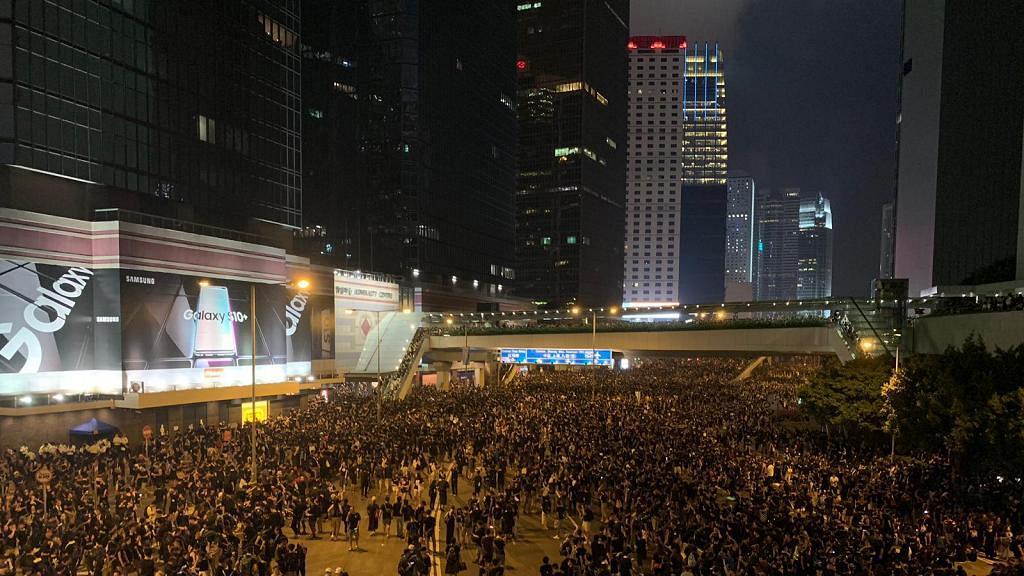 【逃犯條例】民陣公布616遊行人數近200萬 黑衣人龍塞滿軒尼詩道、告士打道