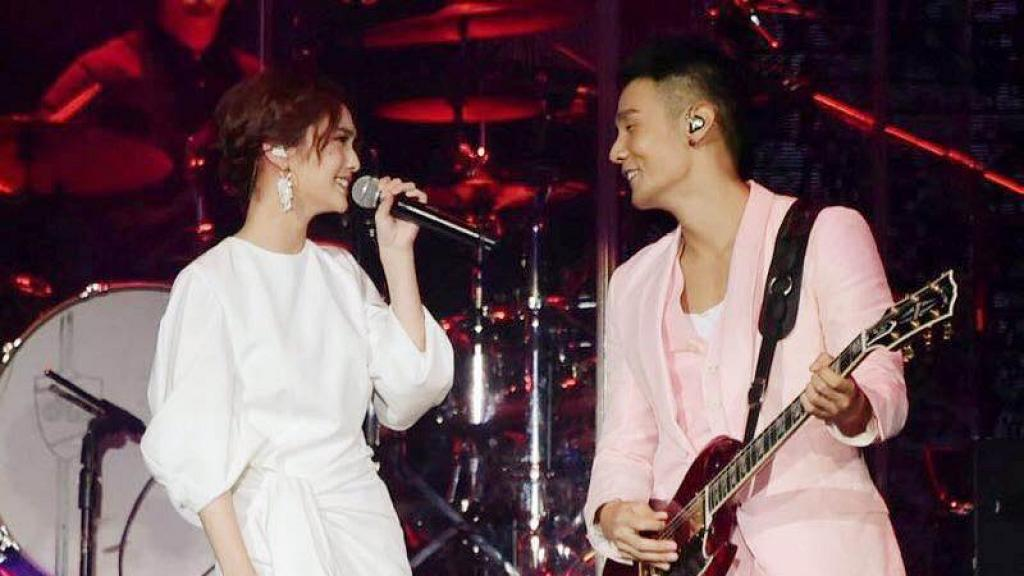 李榮浩宣佈向楊丞琳求婚成功!34歲生日大曬婚戒甜蜜合照